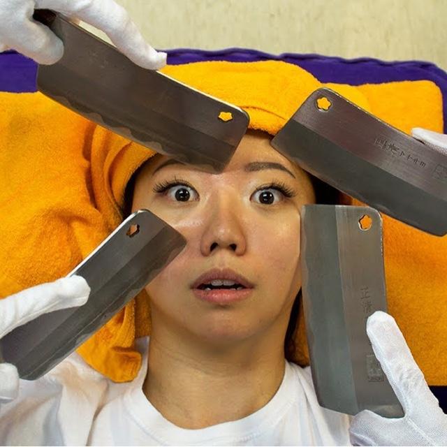 Get a Chinese Knife Massage