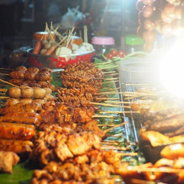 Eat Street Food at the Chiang Mai Gate Market