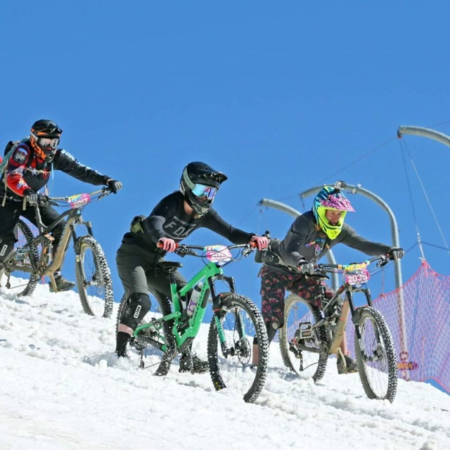 Ride in Megavalanche