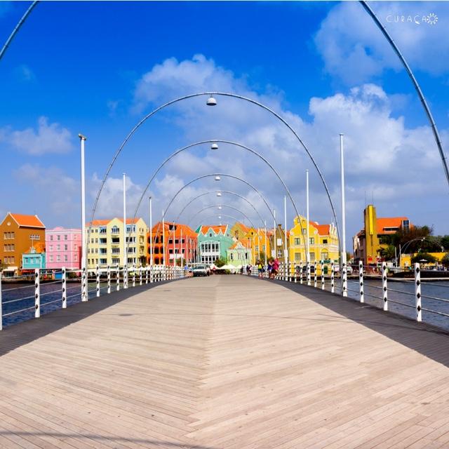 Walk the Queen Emma Pontoon Bridge