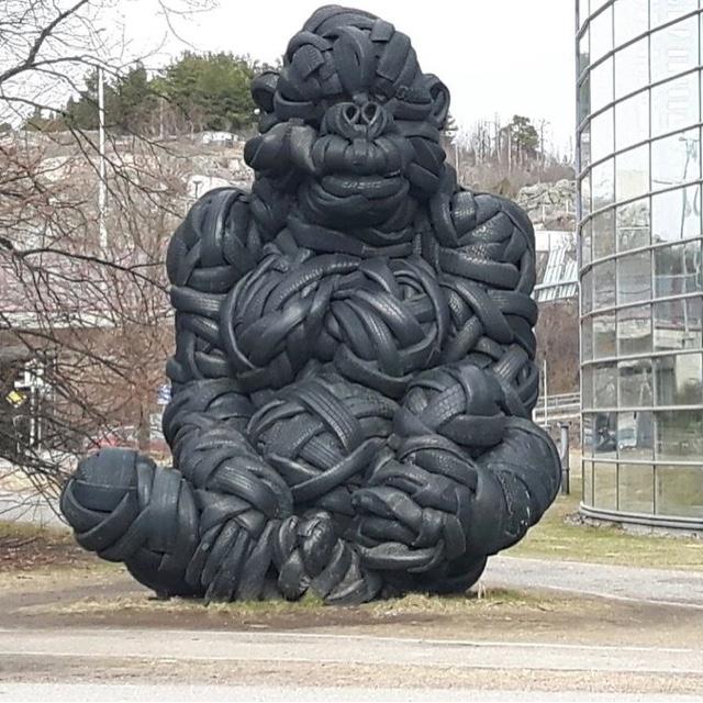 Tire Gorilla of Helsinki