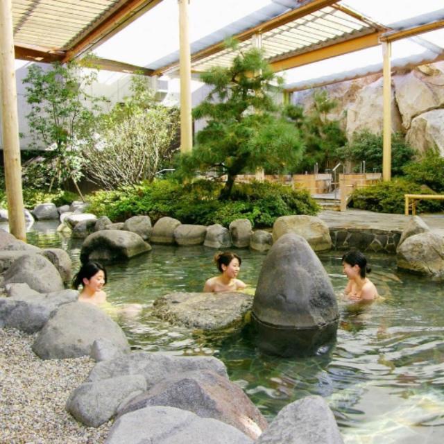 Hot Spring Baths at Ooedo Onsen Monogatari