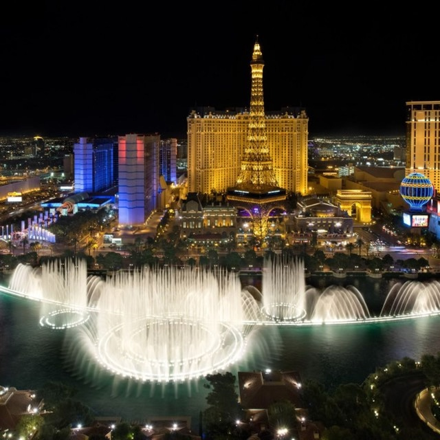 Watch the Fountains of Bellagio Water Light Show