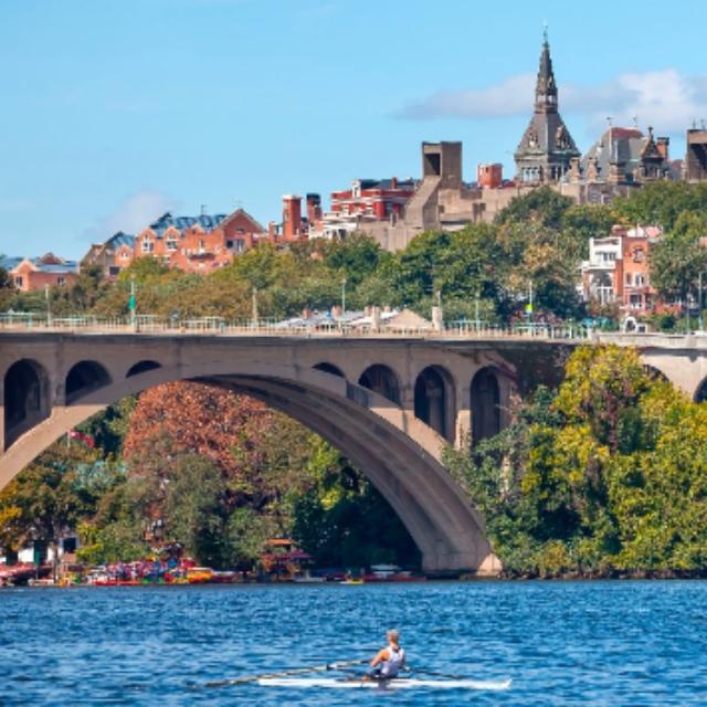 Paddle a Kayak on the Potomac River