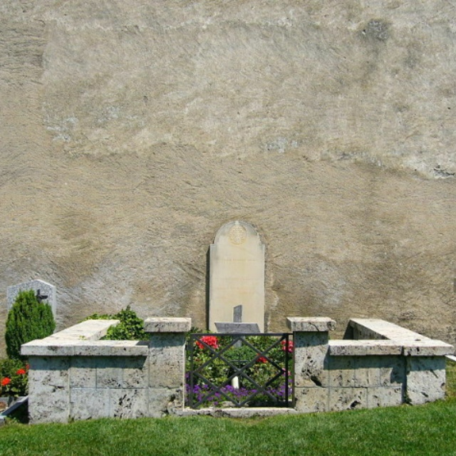 Grave of Rainer Maria Rilke