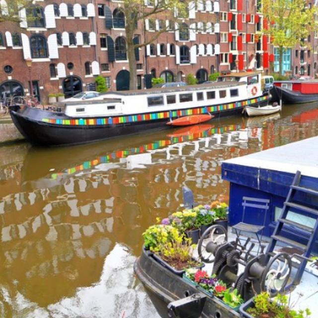 Boat on the Jordaan