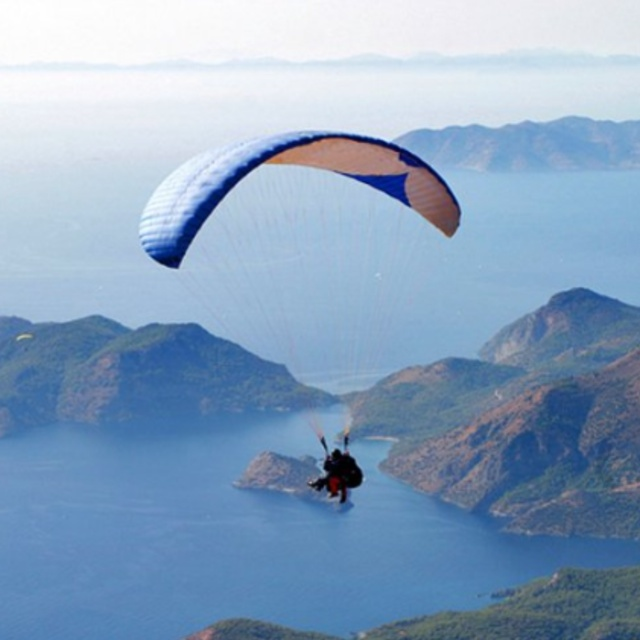 Paraglide in Oludeniz and Pamukkale