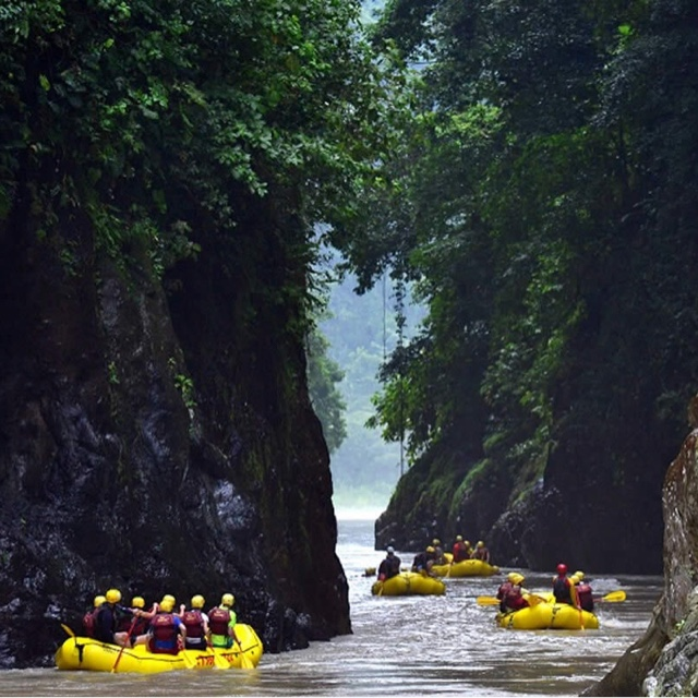 White Water Rafting on the Rio Pacuare