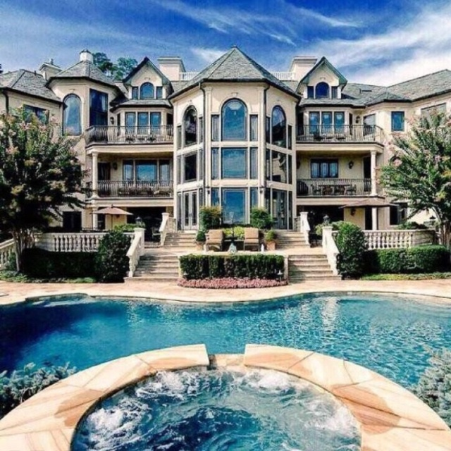 Play Hide and Seek in a Mansion