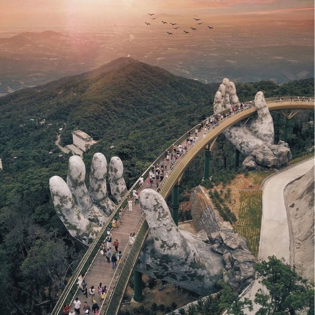 Golden Hands Bridge