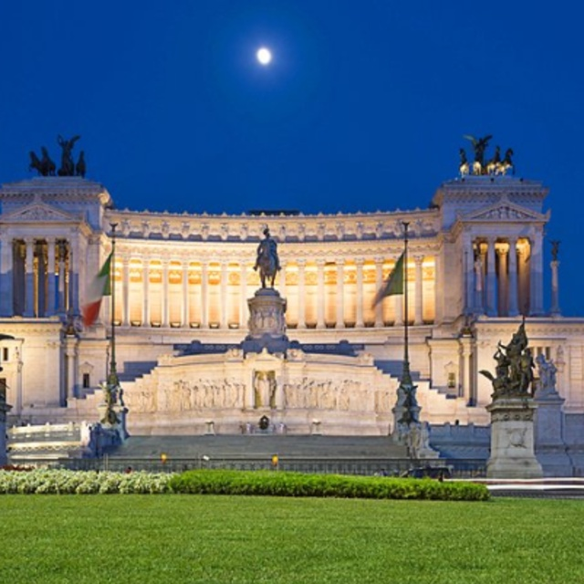 Be Enchanted by Rome After Dark on an Evening Stroll