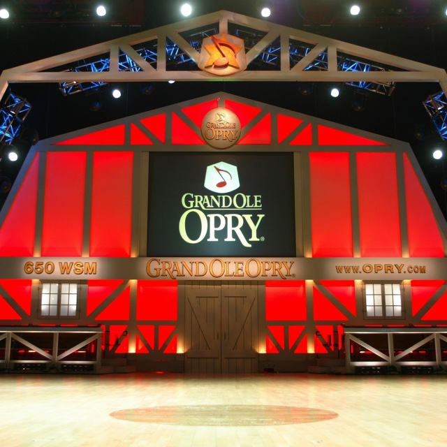Watch a Grand Ole Opry Performance
