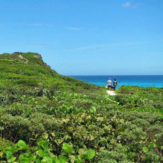 Crossing Place Trail Hike in Middle Caicos