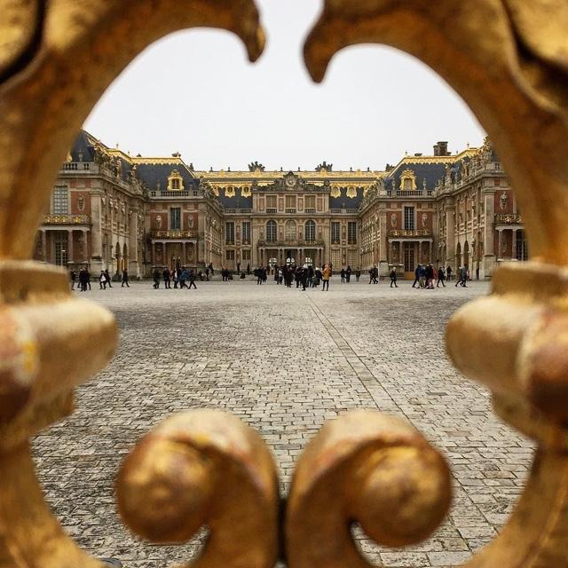 Visit Versailles Palace