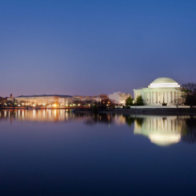 See the Washington D.C. Monuments by Moonlight